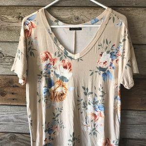 NWOT Ladies Floral V-neck T-shirt
